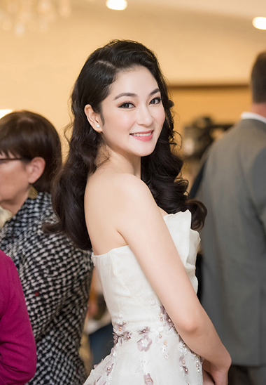Không chỉ tập trung vào công việc kinh doanh, quản lý một công ty truyền thông, bà mẹ một con nghiên cứu báo chí tại Học viện Báo chí và Tuyên truyền, Hà Nội.