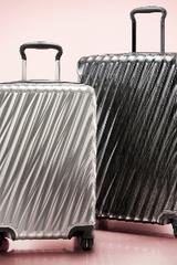 Tumi ra mắt bộ sưu tập vali '19 Degee'