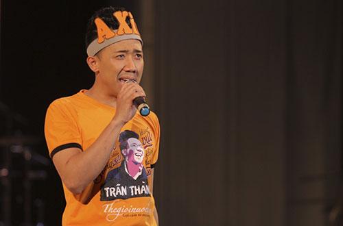 Tối 22/10 Trấn Thành tổ chức họp fan tại TP HCM với sự tham dự của 2.000 người. Trong suốt 10 năm hoạt động nghệ thuật, anh mới có một buổi giao lưu fan hâm mộ trên cả nước. Bạn gái anh  Hari Won cũng có mặt.