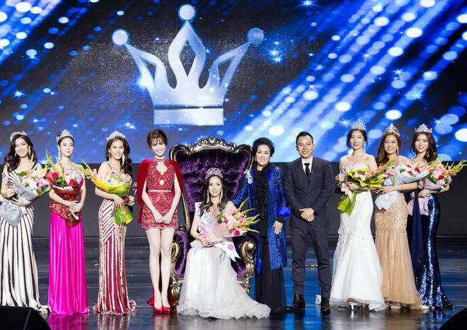 Ngọc Trinh khoe sắc bên dàn hoa hậu ở Seoul
