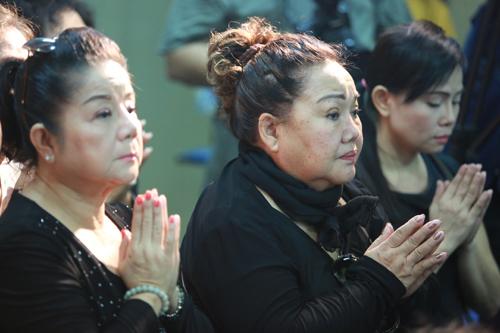 Nghệ sĩ Nhân dân Ngọc Giàu (phải).