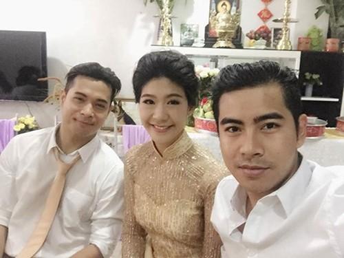 Ảnh lễ ăn hỏi của Trương Thế Vinh từng được chồng Ngọc Lan (phải) chia sẻ.