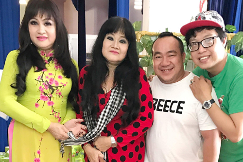 Gia đình nhạc sĩ Bắc Sơn trao 1.000 suất quà cho trẻ miền Tây
