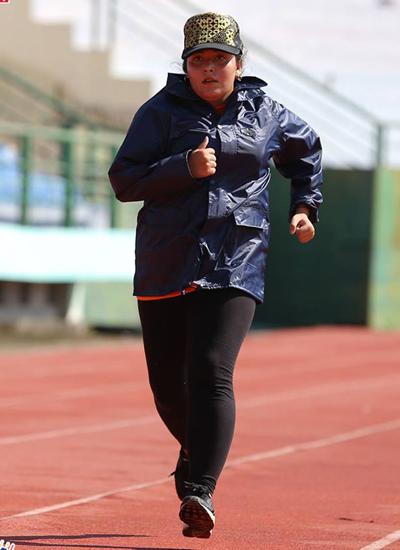 hanh-trinh-giam-30-kg-cua-quan-quan-buoc-nhay-ngan-can-3