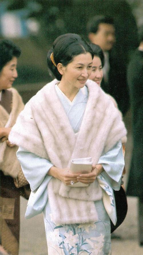 hoang-hau-Michiko-13-1479179277_660x0.jp