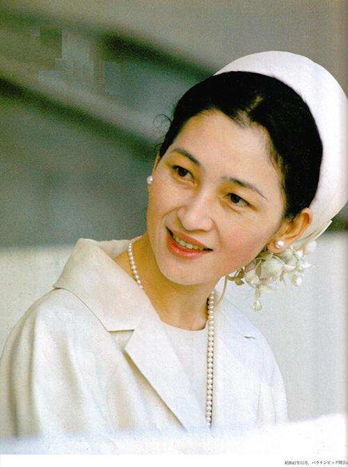 hoang-hau-Michiko-5-1479179275_660x0.jpg