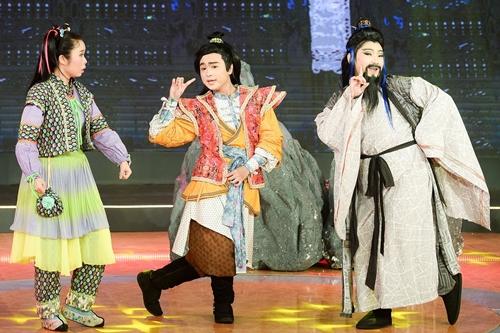 Tập bốn game show hài Tiếu lâm tứ trụ phát sóng tối 23/11.