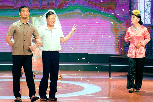 Nhóm hài của diễn viên Minh Nhí hóa thành