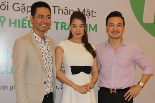 """Diễn viên Chi Bảo (phải) là chủ tịch quỹ """"Hiểu về trái tim"""", còn diễn viên Trương Ngọc Ánh (giữa) là đại diện truyền thông."""