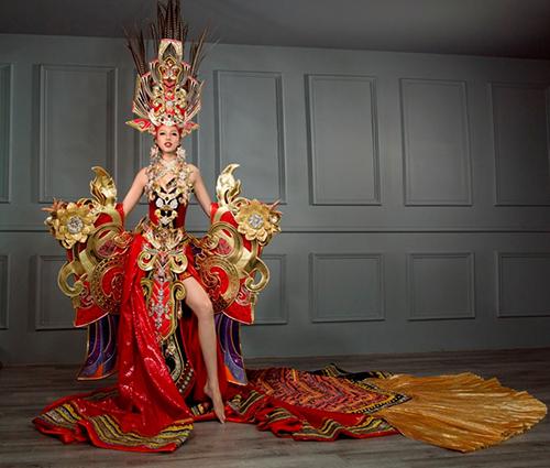 Những bộ trang phục dân tộc bị chê của người đẹp Việt