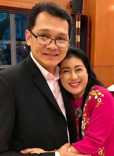 Nghệ sĩ Hữu Châu bên diễn viên Thanh Thủy. Họ không chỉ là những học trò của thầy cô thế hệ trước mà còn trở thành những người thầy cô dù dắt thế hệ sau.