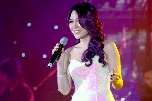 Trong một đêm nhạc của ca sĩ Bằng Kiều