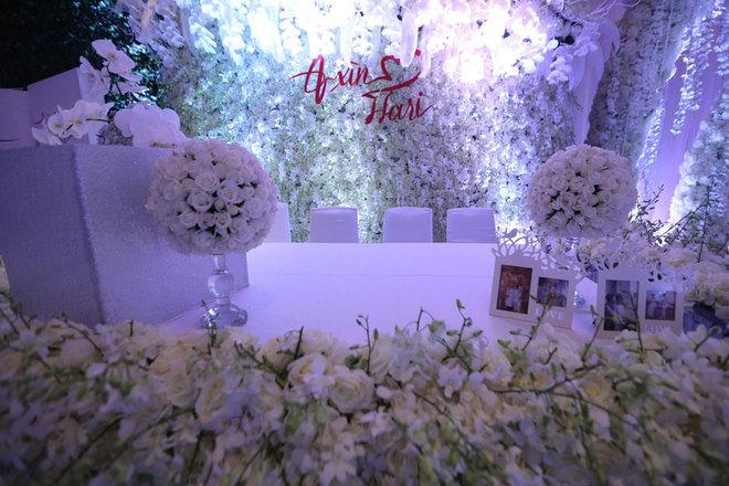 Không gian tiệc cưới gần 2 tỷ đồng của Trấn Thành - Hari Won
