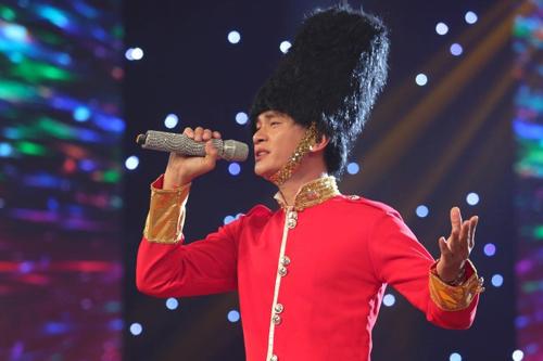 Chàng trai Minh Hoàng được các nghệ sĩ đánh giá có giọng hát giống như Đan Trường.