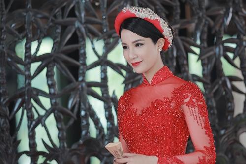 Tạo hình của Diệp Lâm Anh trong phim. Nữ diễn viên vào vai Nguyệt Nga, một cô gái đa mưu, sắc sảo.