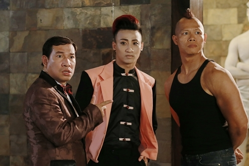 Nghệ sĩ Quang Thắng (trái) đảm nhận