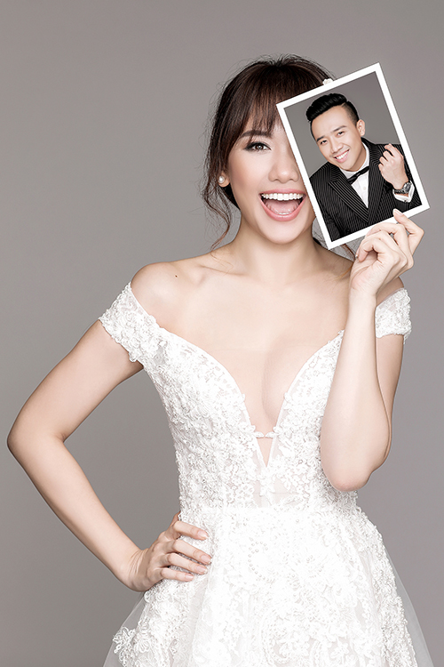 Hari Won đội vương miện chụp ảnh cưới với Trấn Thành