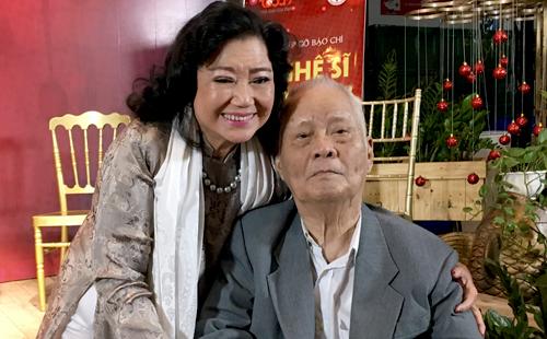 Nghệ sĩ Nhân dân Kim Cương bên nhạc sĩ Nguyễn Văn Tý vào chiều 28/12.