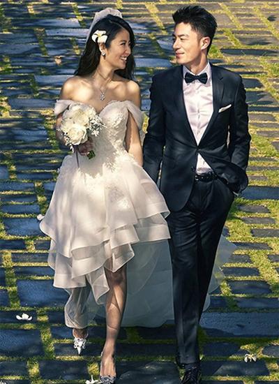 Lâm Tâm Như đã sinh con gái sau 5 tháng kết hôn với chồng kém tuổi