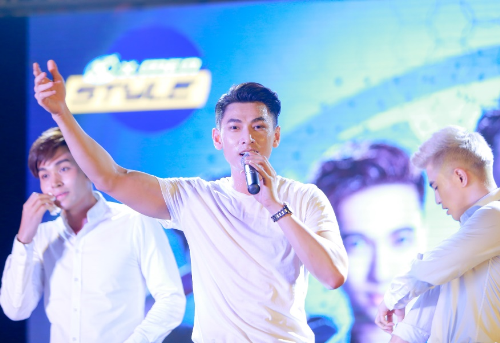 nhung-hinh-anh-doc-dao-tai-liveshow-tai-hop-cua-365-6