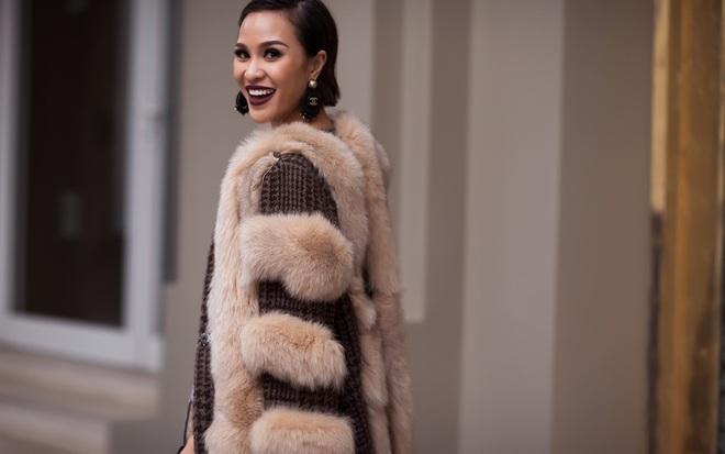 Phương Mai theo đổi mốt sequin, áo lông sành điệu