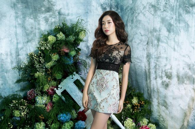Hoa hậu Mỹ Linh cuốn hút với phong cách Hàn Quốc