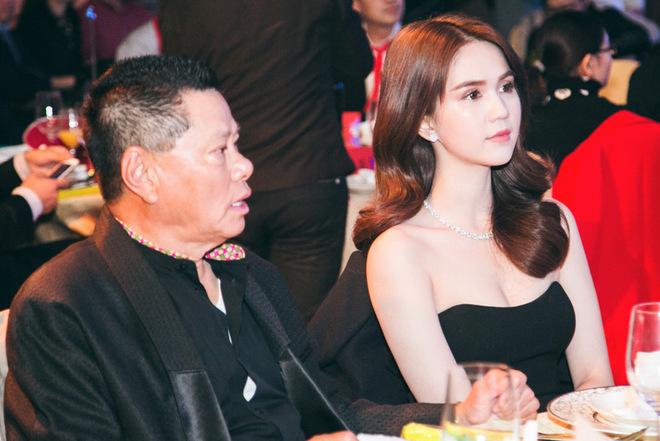 Ngọc Trinh dự tiệc cùng gia đình tỷ phú Hoàng Kiều ở Thượng Hải
