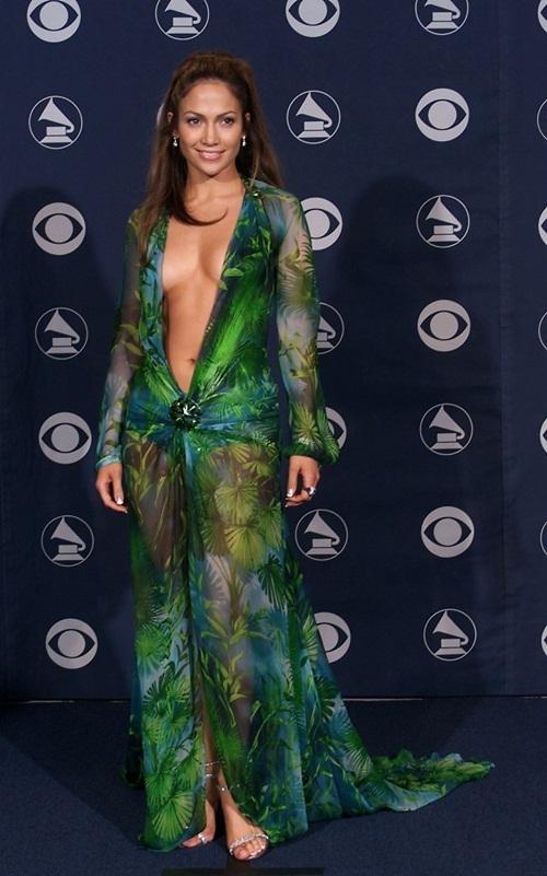 Những người đẹp mặc hở táo bạo trong lịch sử Grammy