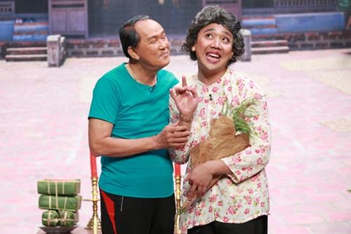 Trong tập cuối game show hài tình huống Ơn giời cậu đây rồi, NSƯT Thanh Điền (trái)
