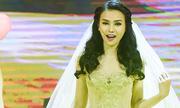 Thu Thủy mua váy cưới 60 triệu đồng để trình diễn