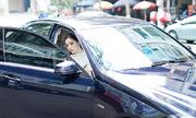 Hoa hậu Kỳ Duyên dự sự kiện bằng xe sang của bố
