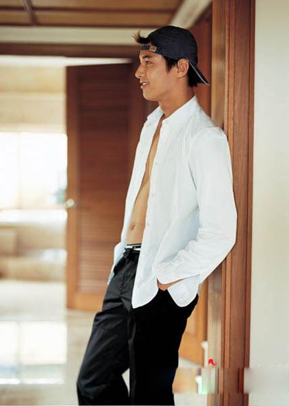 ngoai-hinh-dien-trai-cua-won-bin-22-nam-truoc-4