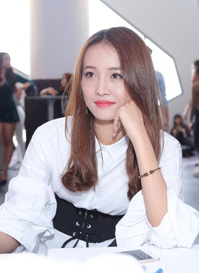 Người mẫu Trương Mỹ Nhân, cựu thành viên của công ty người mẫu Venus.