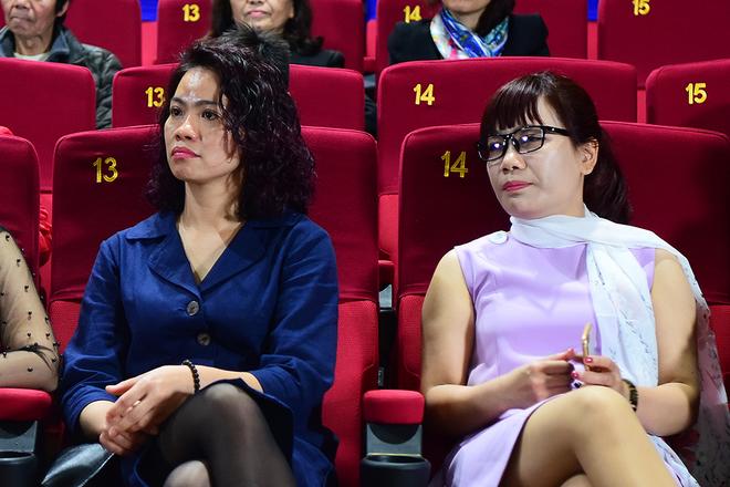 Vợ Trần Lập: 'Nhìn chồng trên phim, tôi không kìm được nỗi nhớ'