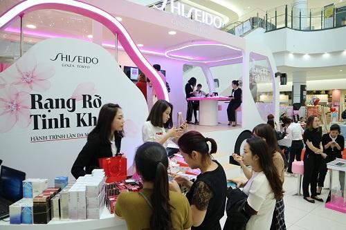 Da trắng hồng, rạng rỡ với mỹ phẩm Shiseido