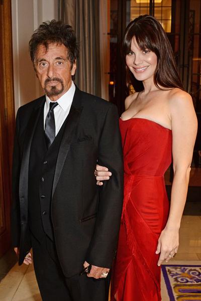 Gắn liền tên tuổi với vai diễn bố già con Michael Corleone trong loạt phim The Godfather, Al Pacino được biết đến rộng rãi là ngôi sao đào hoa ở ngoài đời. Ông hiện có con gái Julie Marie (26 tuổi) với người tình cũ. Ông cũng có hai con song sinh Anton và Olivia với bạn gái cũ - nữ diễn viên kiêm ca sĩ Mỹ - Beverly DAngelo.