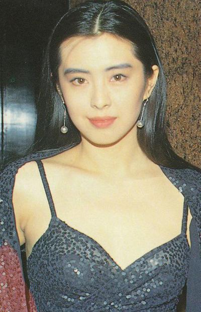 ngoc-nu-hong-kong-vuong-to-hien-khoe-nhan-sac-tuoi-50-5