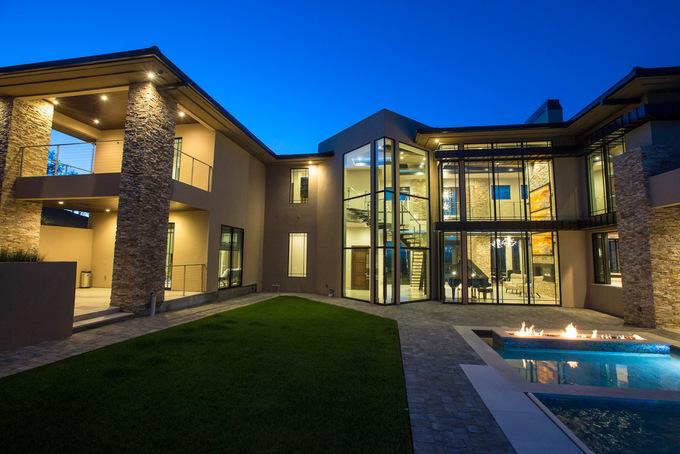 Biệt thự 4000 m2 của vợ chồng Đan Trường ở Mỹ