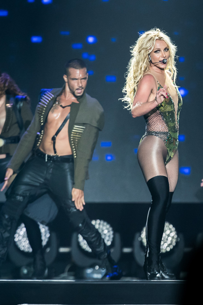 Britney-Spears-Bangkok-2306201-2971-2304