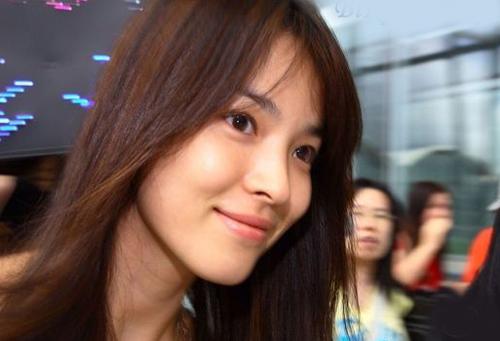 Song Hye Kyo - tu co gai mum mim toi bieu tuong nu tinh