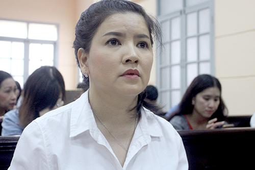 Nhà hát kịch TP HCM bị đề nghị bồi thường cho Ngọc Trinh