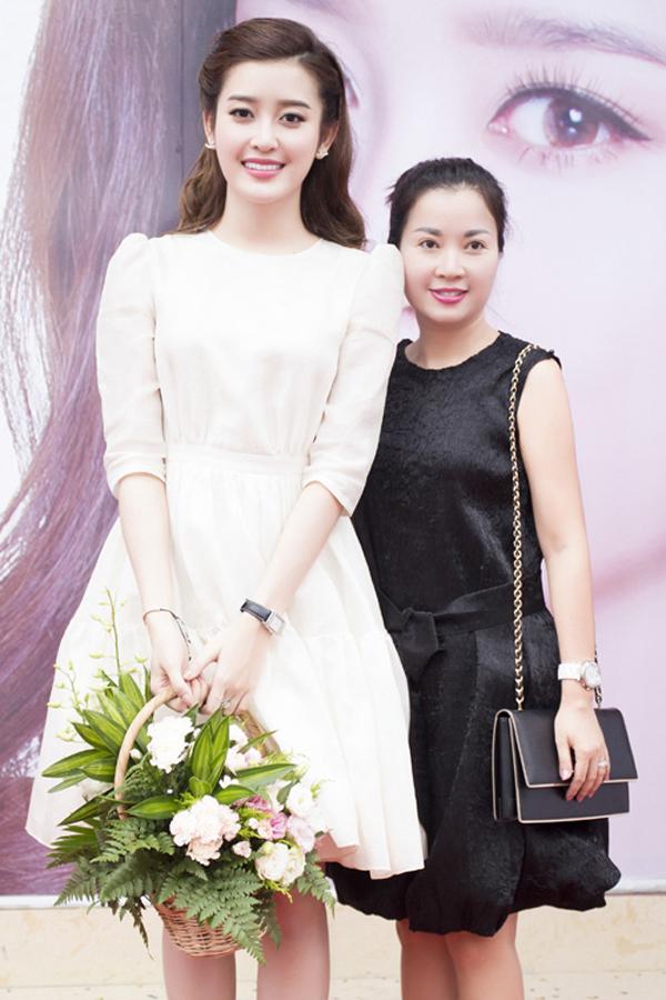 Những sao Việt thừa hưởng nét đẹp từ mẹ
