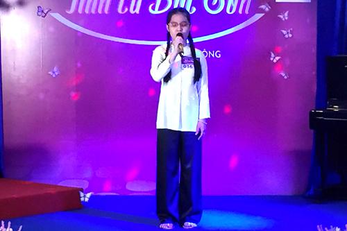 Nữ sinh khiếm thị thi hát tưởng nhớ nhạc sĩ Bắc Sơn
