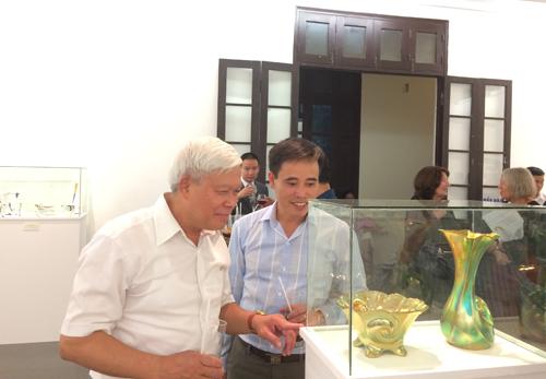 Hơn 200 tác phẩm sứ Hungary được trưng bày tại Hà Nội