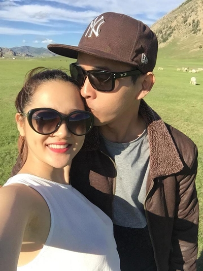 Hồ Quang Hiếu đăng ảnh tình cảm với bạn gái Bảo Anh sau khi công bố chia tay.
