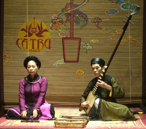 Ca nương Bạch Vân - sớm khuya một mình với kiếp cầm ca