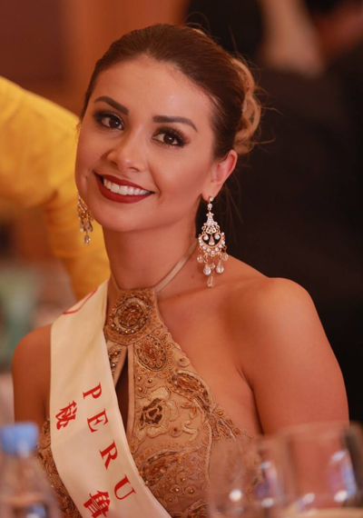 my-linh-mac-ao-dai-doi-man-du-tiec-tai-miss-world-3