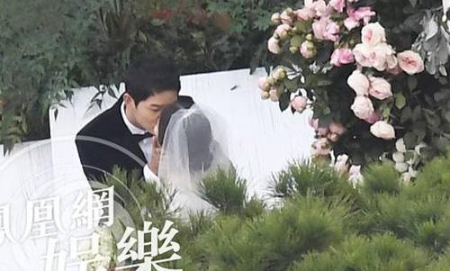 song-hye-kyo-song-joong-ki-hon-nhau-trong-le-cuoi-4