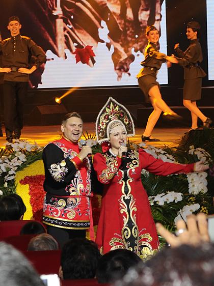 Bản hùng ca tháng Mười Nga trên sân khấu Hà Nội