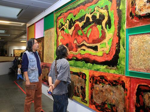 300 tác phẩm của Ngô Xuân Bính, Lê Văn Thìn được trưng bày